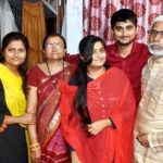 Deepak Thakur with his parents and sisters