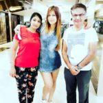 Jasleen Matharu with her parents