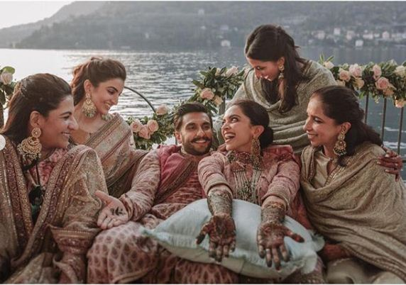 Deepika and Ranveer with their friends at the Mehndi ceremony