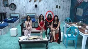 Surbhi Rana with Kriti Verma on the inaugural day of Bigg Boss 12