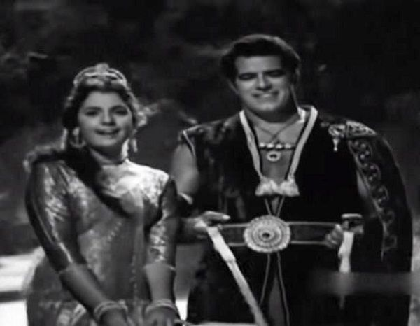 Dara Singh and Mumtaz in 'Faulad' (1963)