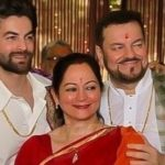Nitin Mukesh with his Wife and Son