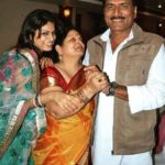 Rashmi Somvanshi with her parents