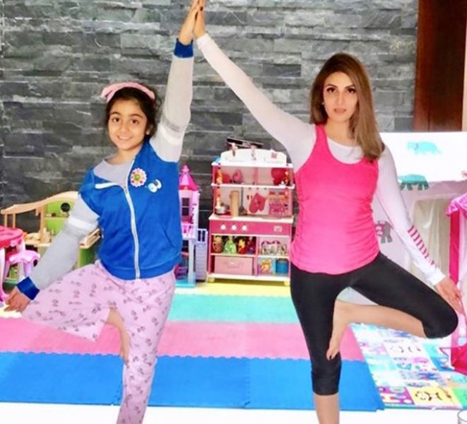 Riddhima Kapoor Sahni Doing Yoga with her Daughter