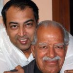 Vindu Dara Singh with his father Dara Singh