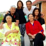 Vindu Dara Singh with his mother Surjit Kaur Randhawa, three sisters, and brother Amrik Singh Randhawa