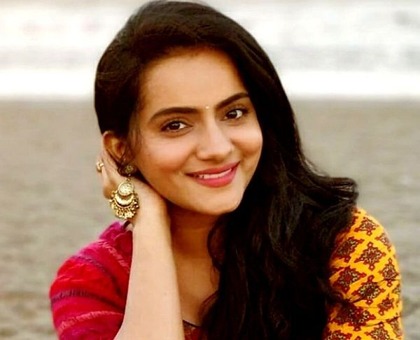 Aastha Chaudhary Age, Family, Boyfriend, Biography & More » StarsUnfolded