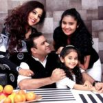 Chahat Tewani with her parents and sister Aanchal Tewani
