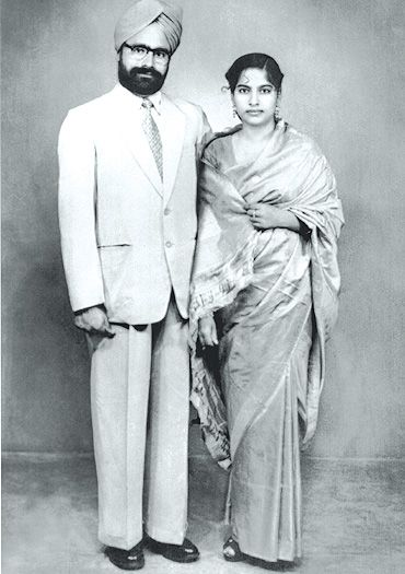 Gursharan Kaur And Manmohan Singh In Younger Days