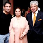 Suhel Seth with his mother Shub Seth and brother Swapan Seth