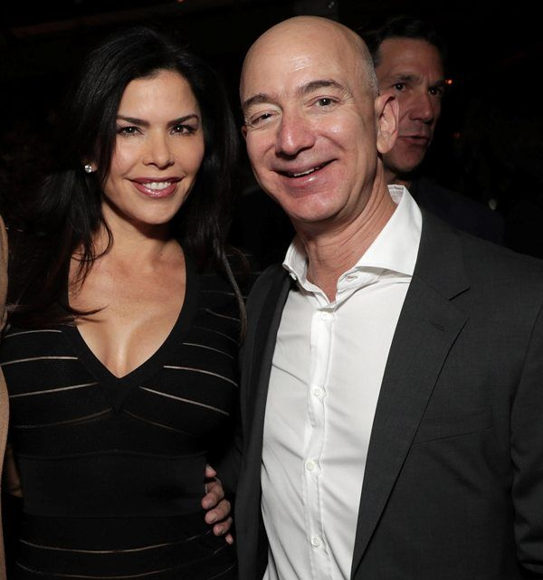 Jeff Bezos With His Girlfriend Lauren Sanchez