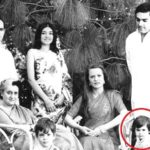 Priyanka Gandhi in red circle with her family members