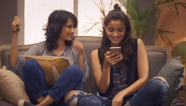 Yashaswini Dayama with Alia Bhatt in the movie 'Dear Zindagi'