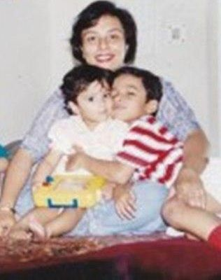 Ragini Tandan with her mother and brother- Childhood Picture