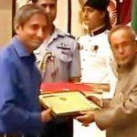 Ravish Kumar With Ganesh Sankar Vidyarthi Award