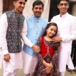 Shahnawaz Hussain With His Children