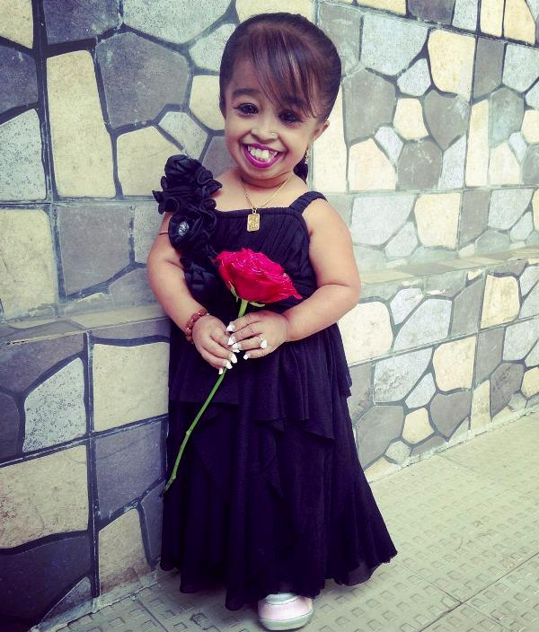 Jyoti Amge Height, Weight, Age, Affairs,Family, Biography