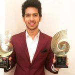 Armaan Malik With His GiMA Award