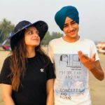 Himanshi Khurana with her brother Apram Deep