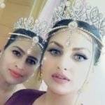 Himanshi Khurana with her mother