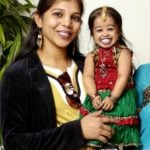 Jyoti Amge With Her Sister Archana Amge