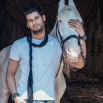 Karan Kapadia Age, Caste, Girlfriend, Family, Facts, Biography & More