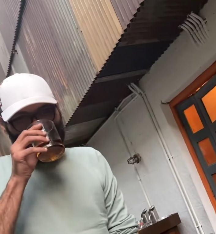 Kunal Kamra Drinking Alcohol