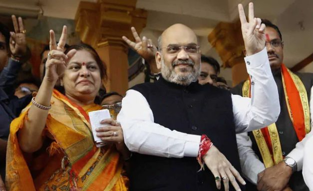 Sonal Shah and Amit Shah after casting their vote