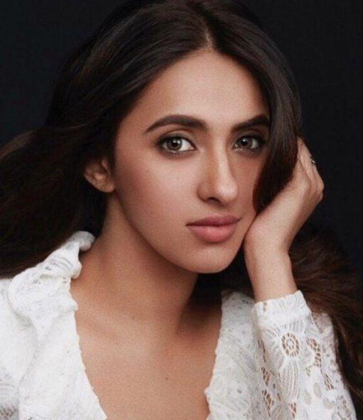 Akansha Ranjan Kapoor picture