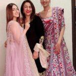 Akansha Ranjan Kapoor with her mother and sister