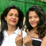 Anjana Om Kashyap with her daughter