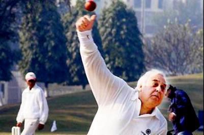 Kapil Sibal Playing Cricket