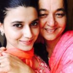 Nimrat Khaira with her mother