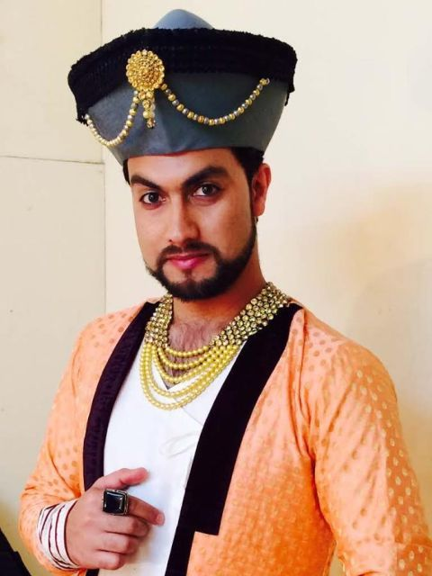 Rayees Mohiuddin as Akbar