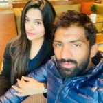 Yogeshwar Dutt with his wife Sheetal Sharma