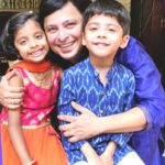 Abhijeet Kelkar with his son and Daughter