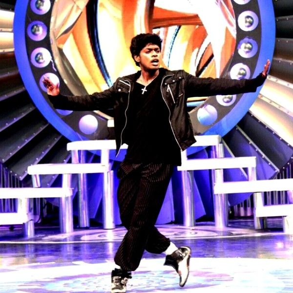 Sandy Performing In A Dance Show