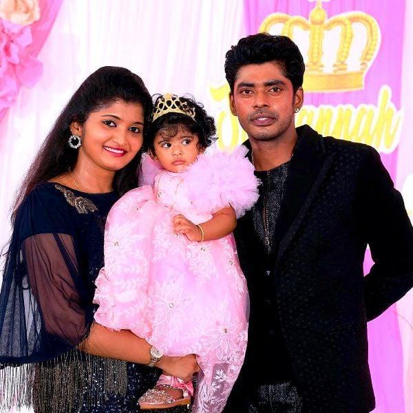 Sandy With His Wife Dorathy Sylvia & Daughter Tasha