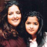 Sunaina Roshan with her daughter