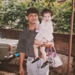 Childhood picture of Shivaleeka Oberoi with her father