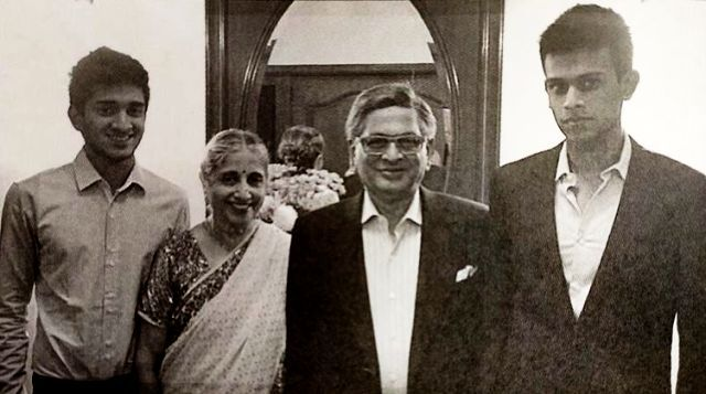 VG Siddhartha's Sons Eshaan (Extreme Left) & Amartya (Extreme Right) With Their Grandparents