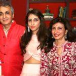 Anissa Malhotra  with her parents