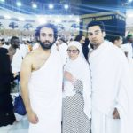 Momin Saqib with his Mother and brother