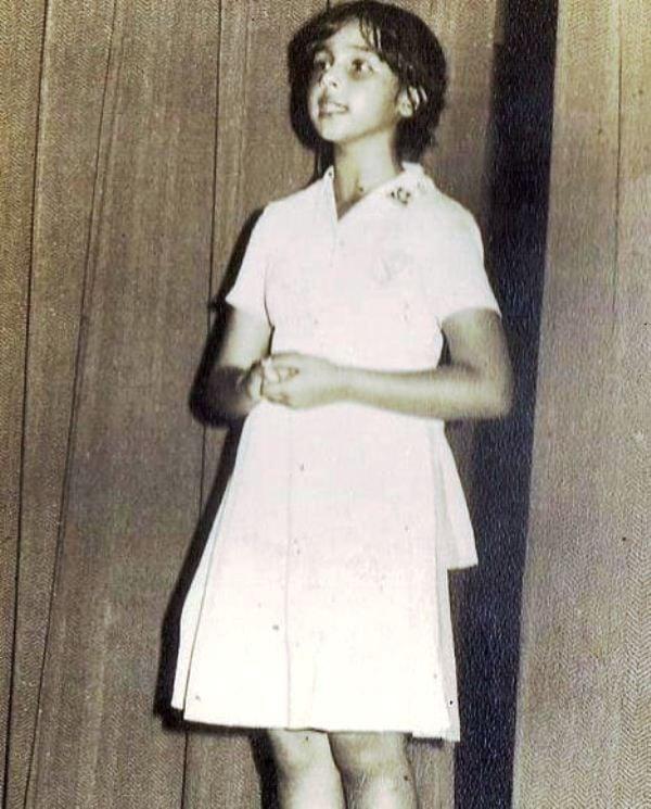Suchitra Krishnamoorthi Performing At School Function