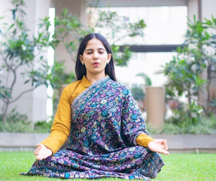 Jaya Kishori doing Yoga