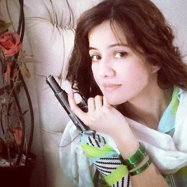 Rabi Pirzada with Her Pistol