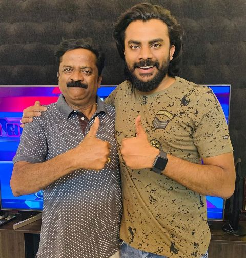 Chandan Shetty with his father