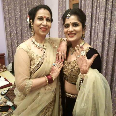 Neha Batham and her mother