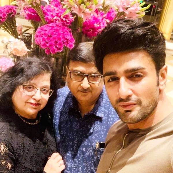 Nishant Malkani with His Parents
