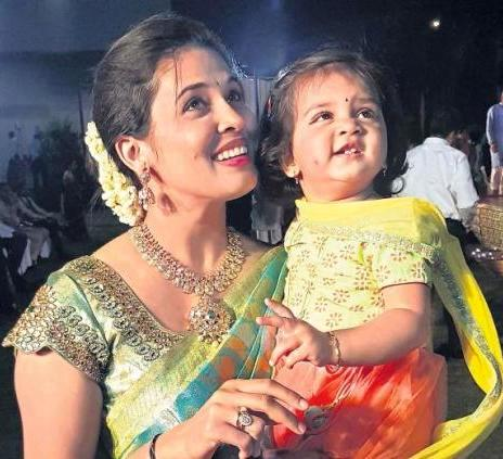 Rohini Sindhuri with her daughter